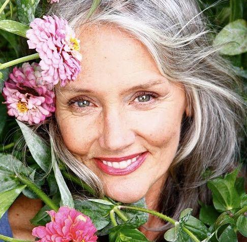 """Секреты красоты и молодости для женщин 50+ . """"Все лучшее — впереди!» - считает Синди Джозеф, которой вообще за 60"""