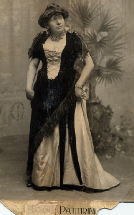 Моррис Янг - певец 19 века, популярный в образе мадам Паттирини.