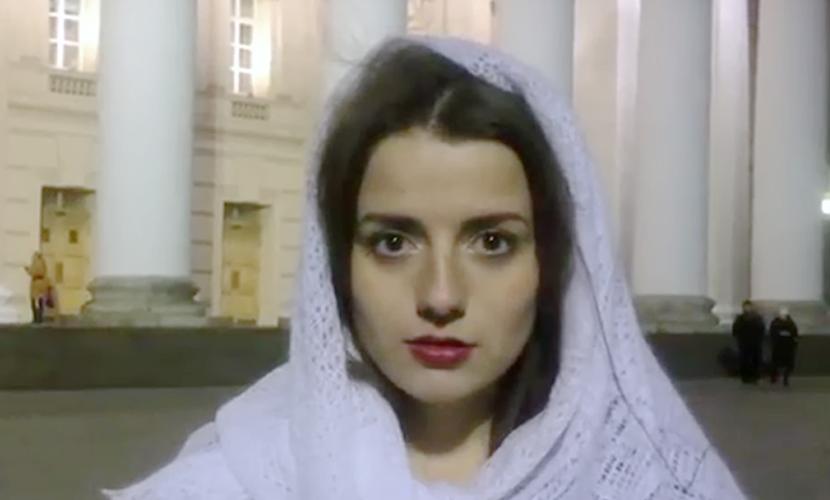 Бесстрашная русская девушка ответила видеопосланием на угрозы ИГИЛ