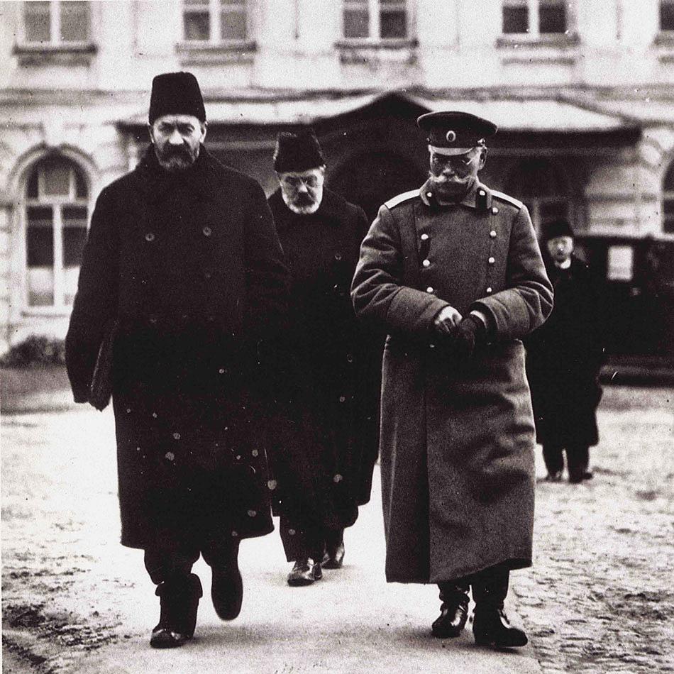 6 июля 1917 (19 июля по новому стилю) года в петрограде было подавлено июльское восстание