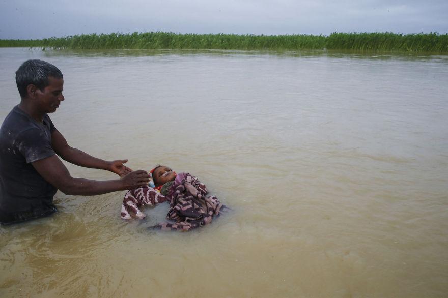 В Южной Азии сильнейшее наводнение за десятилетие, но никто об этом не говорит