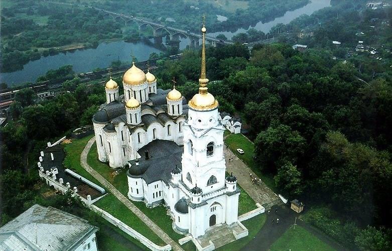 Успенский собор с высоты памятники, церкви