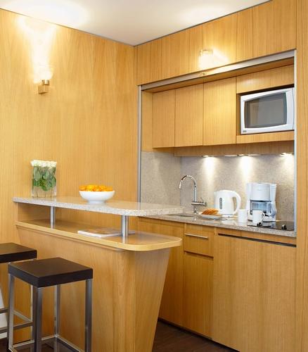 Кухня-Обеденный-зал-в-гостинице-Residhome-Val-dEurope (438x500, 69Kb)