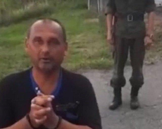 Украинский участник «АТО» на коленях обратился к РФ