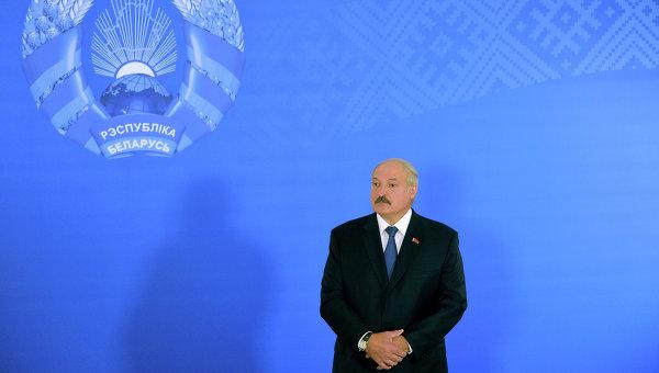 """Лукашенко попросил Украину """"не подбрасывать боевиков"""" в Белоруссию"""