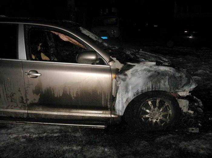 В Иванове вечером на стоянке сгорели два автомобиля