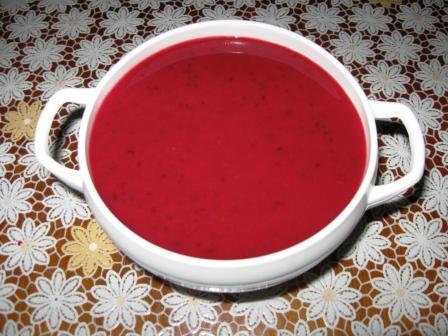 Острый соус из черной смородины