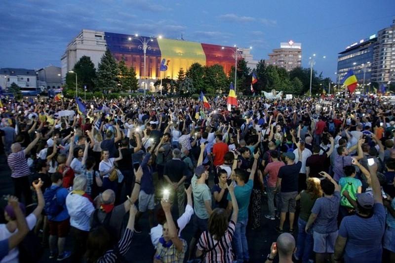 Румынская полиция не осмелилась разогнать демонстрантов