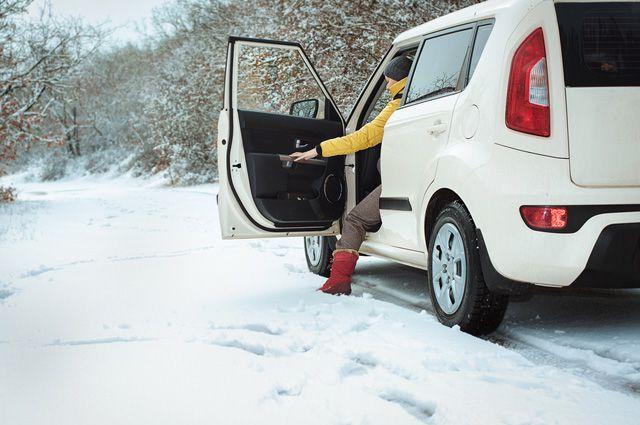 Пережить снегопад: что взять в дальнюю поездку зимой?