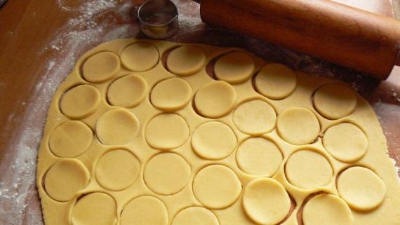 Почему тесто прилипает к бумаге для выпечки