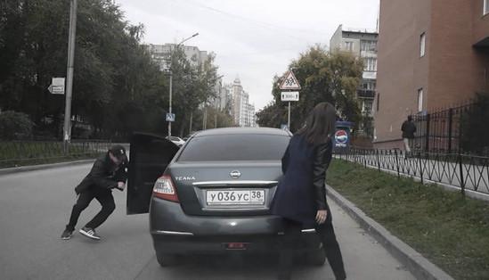 Как угоняют машины у беспечных владельцев