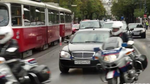 Видео проезда кортежа Путина по Вене удивило россиян