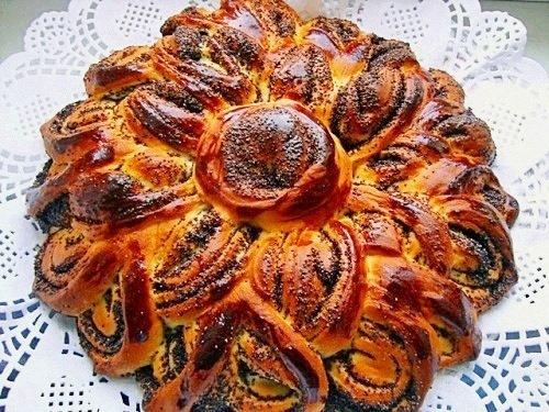 Разделка сдобных пирогов с начинкой