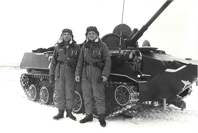 Подполковник Леонид Зуев и старший лейтенант Александр Маргелов