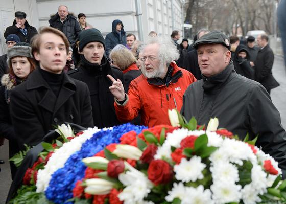 С Борисом Немцовым прощаются семья и представители политической элиты