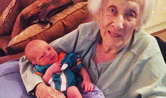 Весёлая история о прабабушке и её новорождённой правнучке