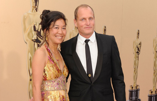 HOLLYWOOD - MARCH 07: Actor Woody Harrelson (R) and wife Laura Louie arrive at the 82nd Annual Academy Awards held at Kodak Theatre on March 7, 2010 in Hollywood, California. (Photo by Alberto E. Rodriguez/Getty Images)