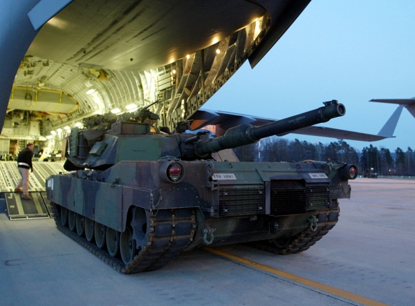 США ввезли танки в Латвию