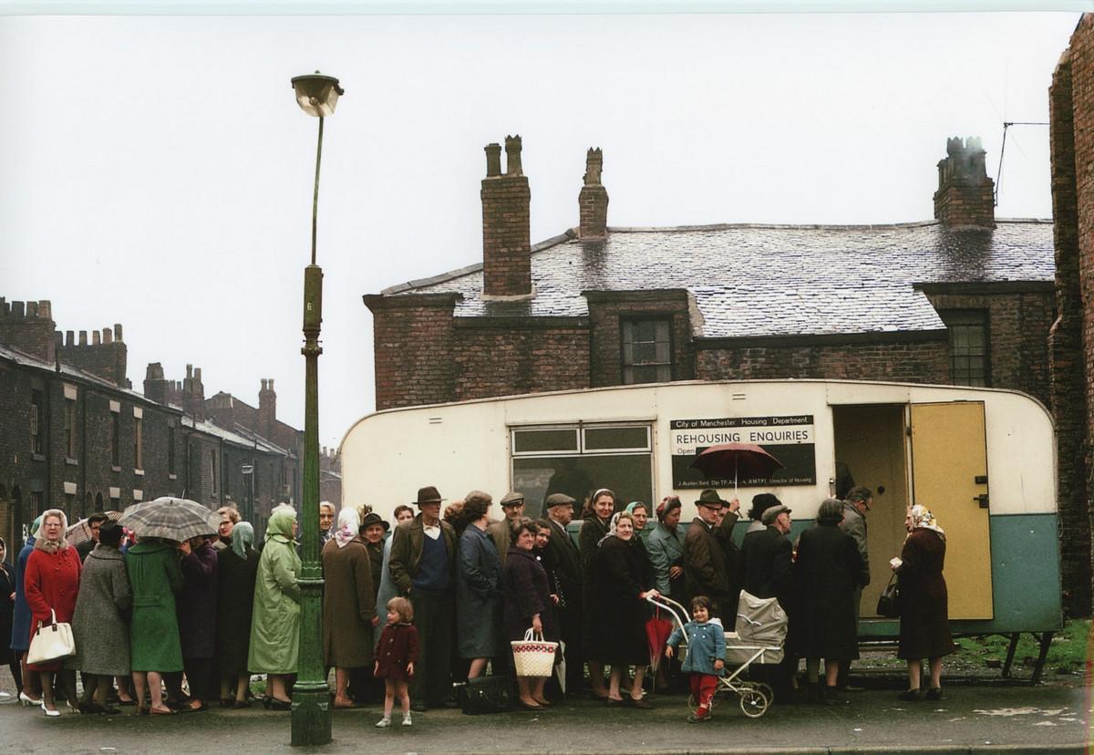 Обаяние трущоб Манчестера в фотографиях Ширли Бейкер 1960-х годов 7
