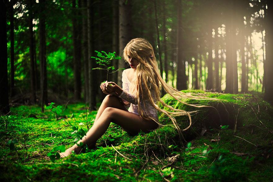 Девки фото в лесу