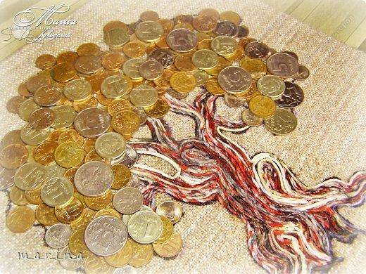 Денежная дерева из монет