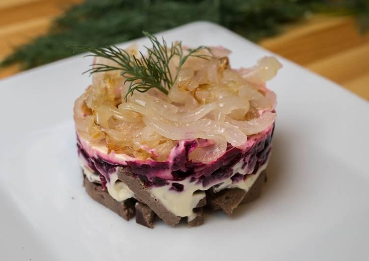 Салат из печени со свеклой