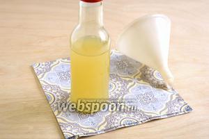 Снова слейте её в бутылочку, теперь можно добавить по вкусу мёд или лимонный сок, или и то, и другое, если есть желание. Имбирная настойка по тибетскому рецепту готова, употребляйте её по 1-1,5 ч. л. перед едой. В качестве противопростудного средства можно добавить ложечку настойки в брусничный или малиновый чай.
