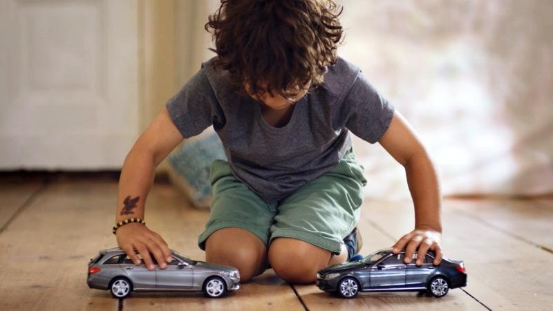 Очаровательный розыгрыш-реклама от Mercedes-Benz