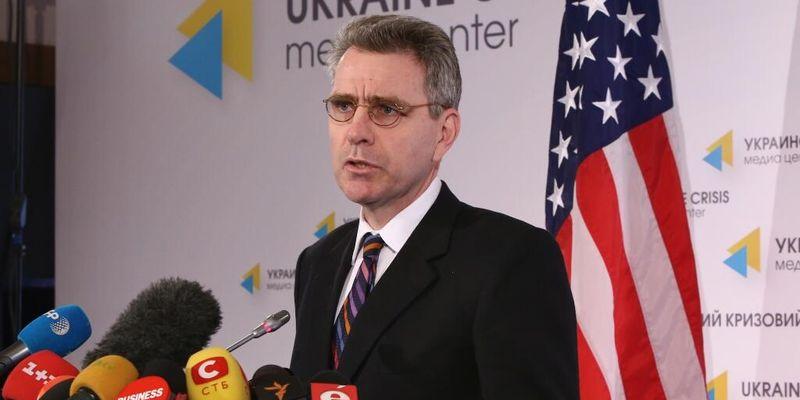 Посол США на Украине оценил храбрость украинских военных, сдавших Крым без единого выстрела