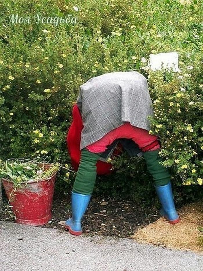 Видео как сделать чучело на огород своими руками