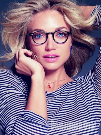 7 секретов макияжа для тех, кто носит очки