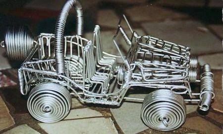 Самодельная машинка из проволоки
