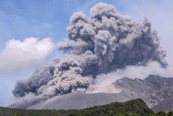 В Японии проснулся вулкан Сакурадзима, - проснулся очень эффектно
