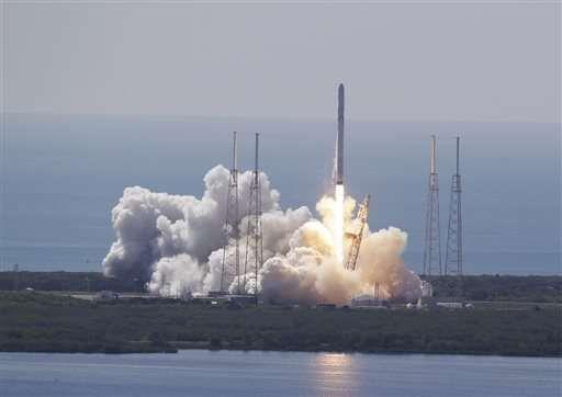 Расследование причин воскресной аварии ракеты Falcon 9 продолжается