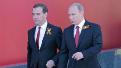 Медведев попросил подготовить ответные санкции