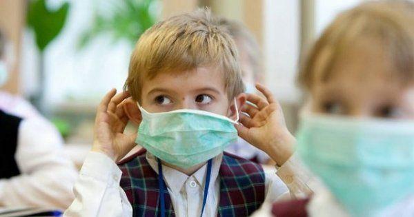 Простуженных детей не пустят в школы и детские сады