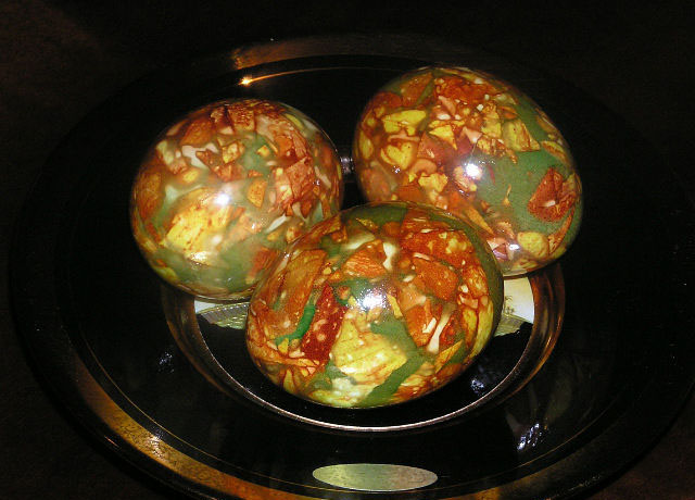 Пасхальные яйца с красивым эффектом