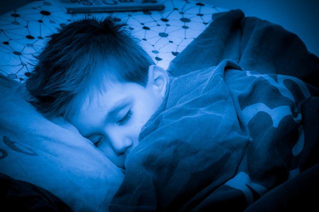 Если мы видим негативный сон, в серых красках, который вызывает страх, тревогу и печаль, то такой сон в реальной жизни является хорошим символом.