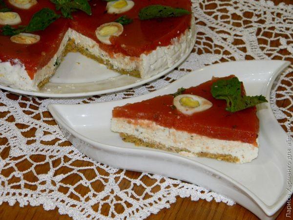 Закусочный торт с сыром, томатами и базиликом