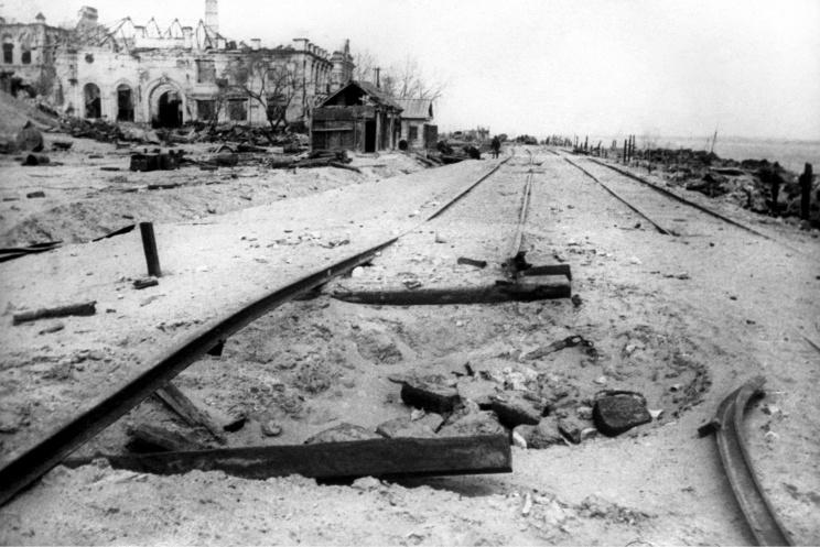 ID: 10632270 Описание: Советский Союз. Сталинград. Набережная реки Волги после освобождения города, 1943 год. Фотохроника ТАСС