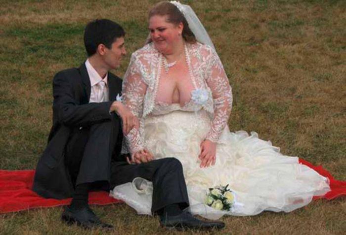 15. Как хорошо, что он смотрит ей в глаза Свадебные платья, свадьба