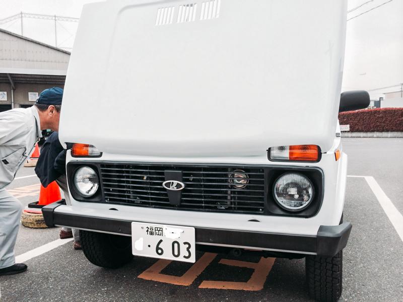 Новая Нива на парковке в Японии