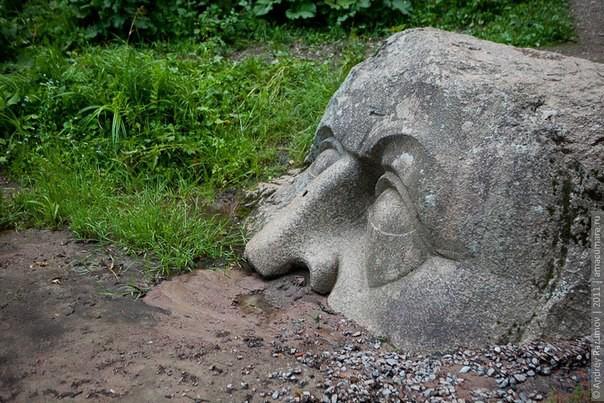 Тайна каменной головы история, факты