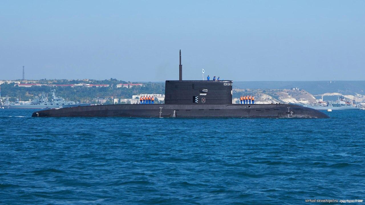 """Подводная лодка """"Краснодар"""" прибыла в Севастополь"""