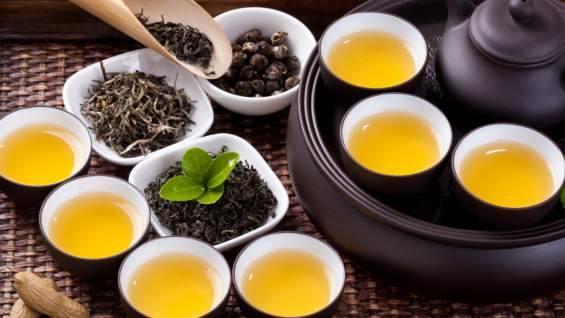 Диетологи рассказали, какой вред наносит организму чай