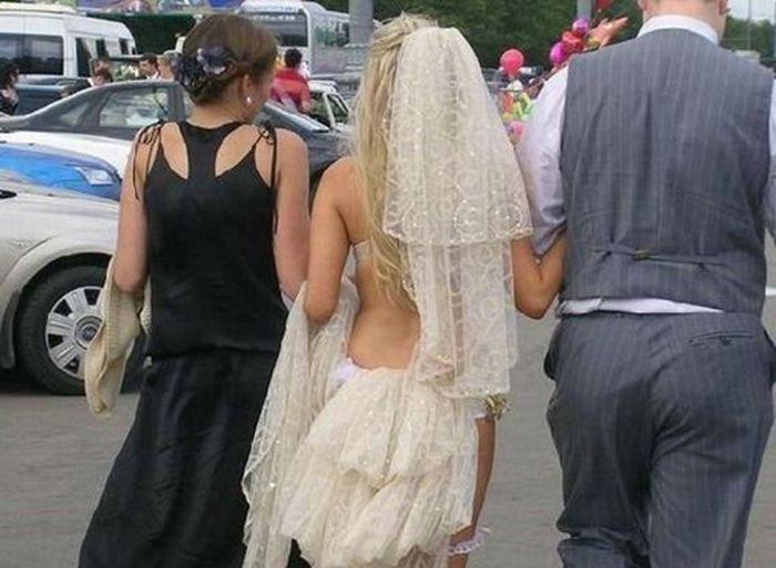 4. И заправить в них немного фатина Свадебные платья, свадьба