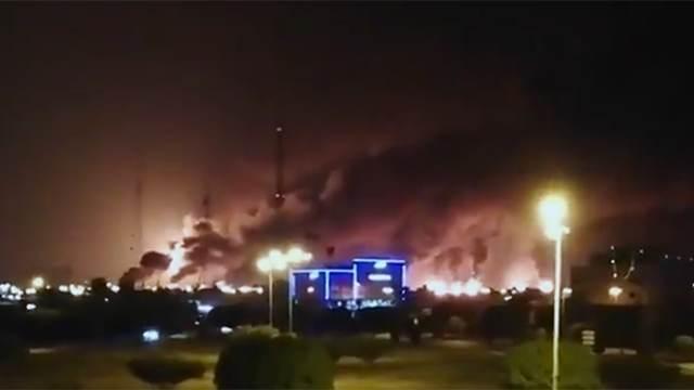 Саудовские НПЗ разбомбили США?