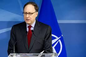 Александр Рассел «Сэнди» Вершбоу – американский посол и нынешний заместитель генерального секретаря НАТО.