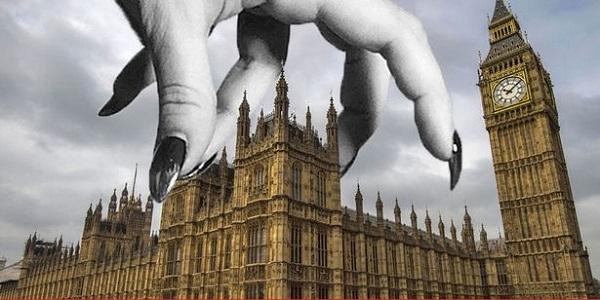 Банкиры Англии контролируют …