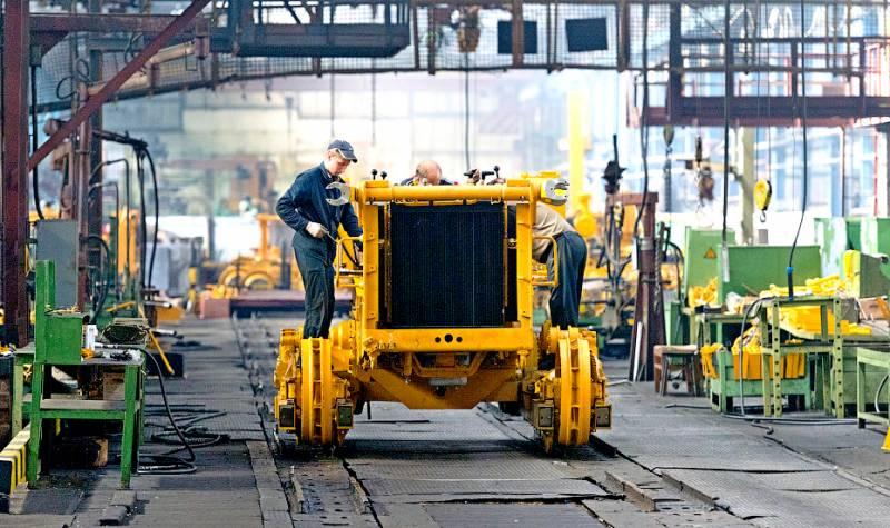 После тотального развала: Россия возрождает легендарные заводы